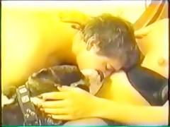 perro en chat - Videos de Zoofilia